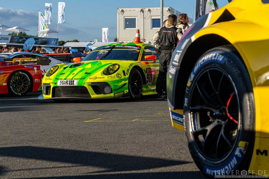 Parc Fermé beim 24h Rennen am Nürburgring