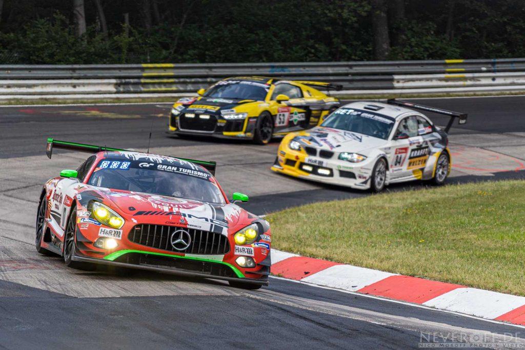 AMG GT3 im kleinen Karussell der Nürburgring Nordschleife